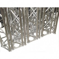 Structure Alu Triangulaire 150 De 2M50